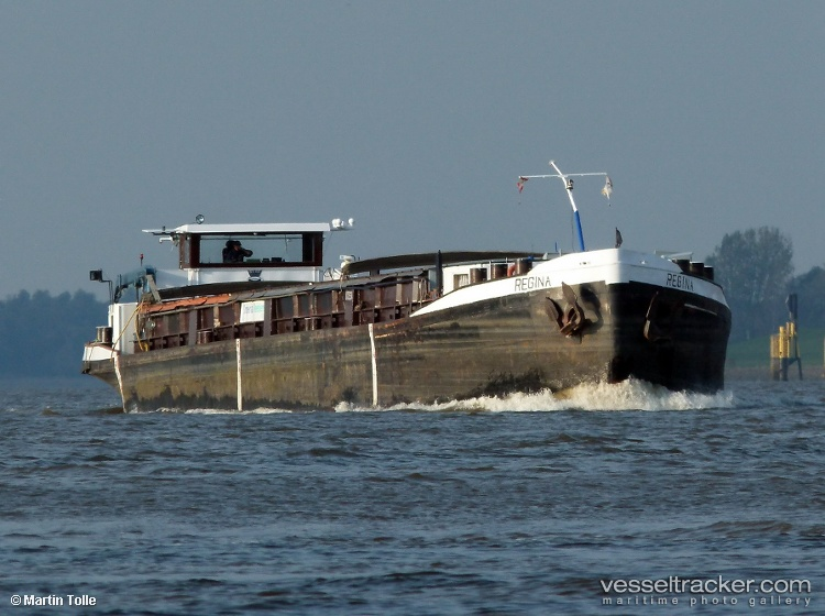images.vesseltracker.com/images/vessels/hires/Regina-1028559.jpg