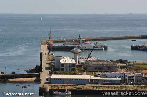 port: Helgoland by Fuzzy