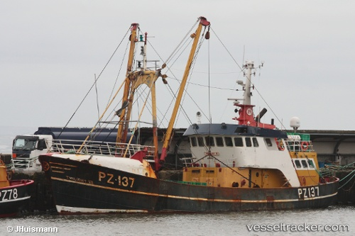 Twilight iii pz137 type of ship fishing boat callsign for Fishing boat types