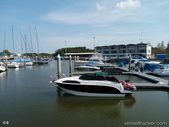 Hafen: Paknampran by racermarina