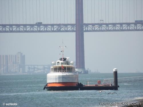 Passenger ship Trafaria Praia by wolfilein