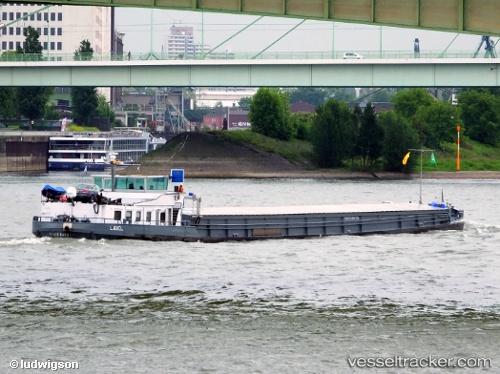 Frachtschiff Libel by ludwigson