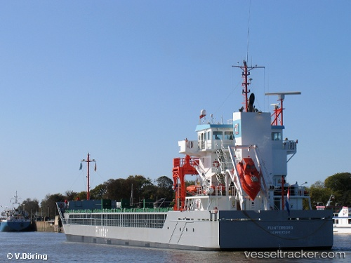 Cargo Ship Amber IMO 9361378 by VoD4469