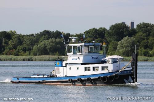 Sonstiges Schiff Salute by HannesvanRijn