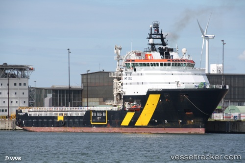 Frachtschiff Caledonianvision IMO 9329928 by willemvanS