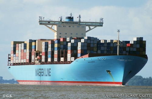 Frachtschiff Emma Maersk IMO 9321483 by Opa-Oeli