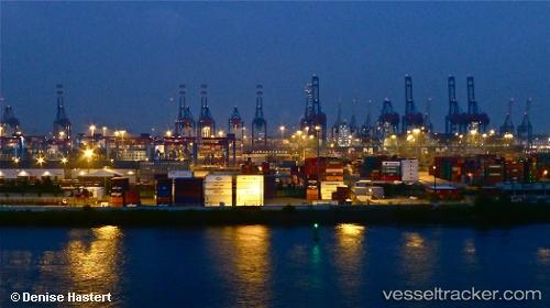 port: Hamburg by Odette