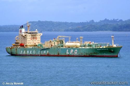 Tankship Sanko Innovator IMO 9369772 by jojek