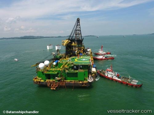 port: Batu Ampar by batamshipchandler