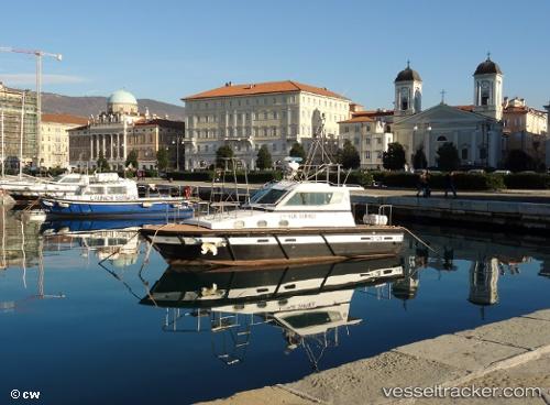port: Trieste by liliwi
