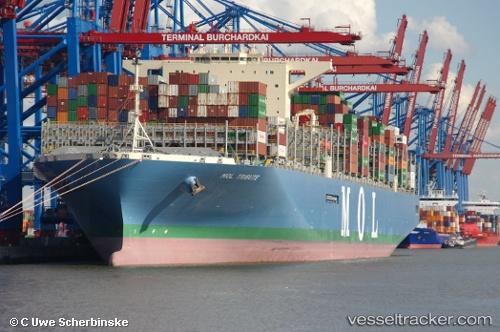 Frachtschiff MOL Trust IMO 9769283 by Uwe59
