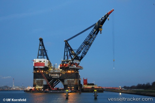 Sonstiges Schiff Thialf IMO 8757740 by Ulfship