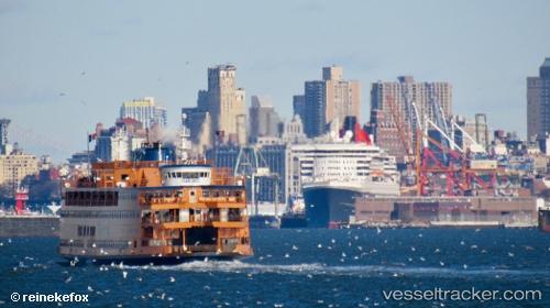 port: New York by reinekefox
