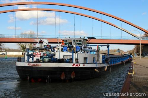 Frachtschiff Max by Noorderlicht