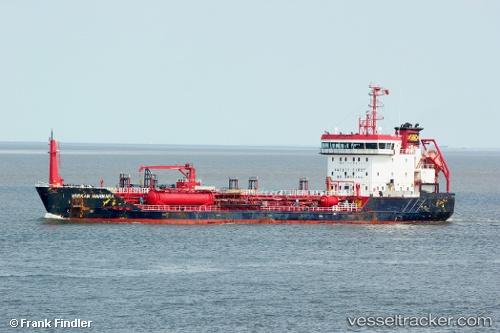 Tanker Varkan Marmara IMO 9458145 by Obiwahn