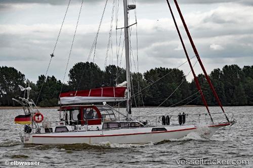 Segelschiff Klaudia by elbwasser