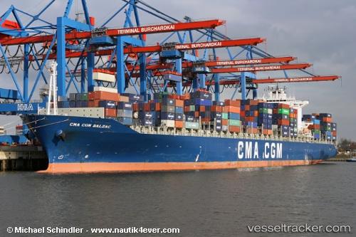 Vrachtschepen CMA CGM Balzac IMO 9222273 by MSC Michi