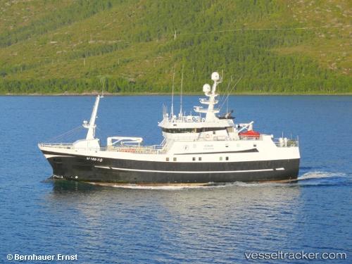 Vonar type of ship fishing boat callsign lmcj for Fishing boat types