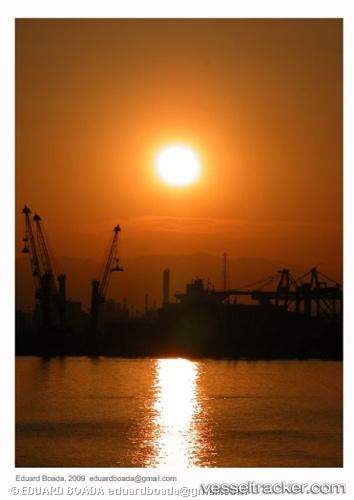 port: Tarragona by EduardBoada