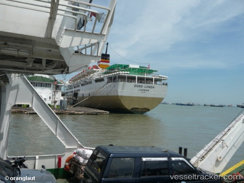 Passenger ship Km. Doro0londa 0 000 IMO 9226487 by oranglaut