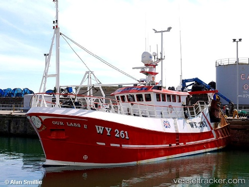 Our lass 2 type of ship fishing boat callsign wy261 for Fishing boat types