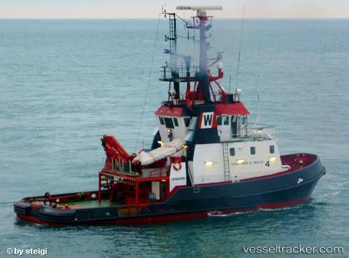 Tug Adriatik IMO 7800564 by steigi