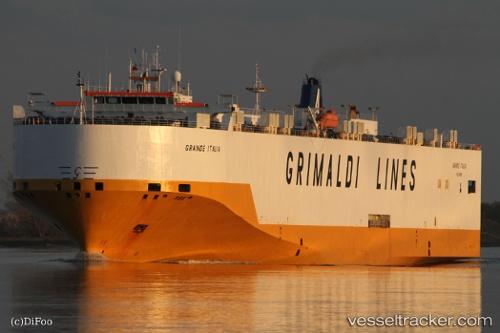 Buques de carga Grande Italia IMO 9227912 by Dieter