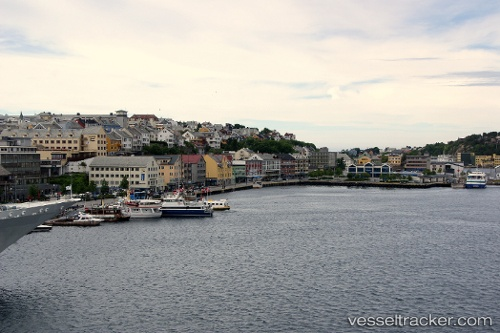 port: Kristiansund by Snaphaan