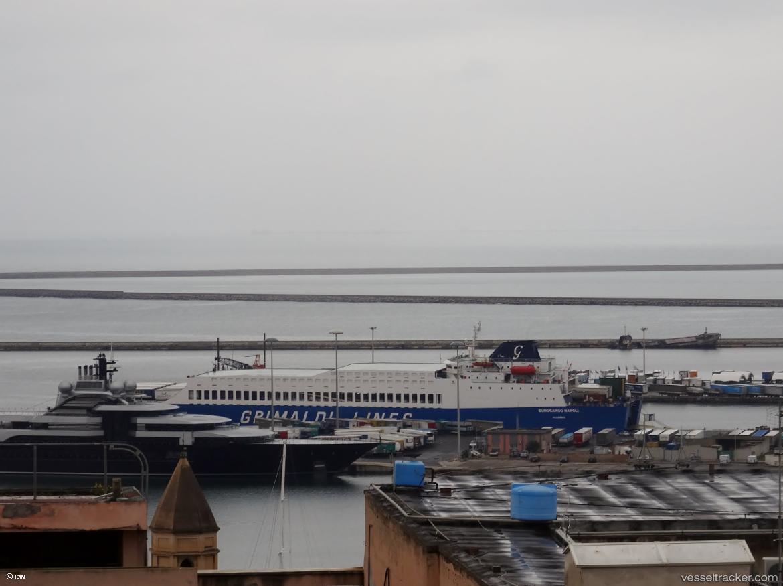 Cagliari Port Photo from liliwi - vesseltracker.com