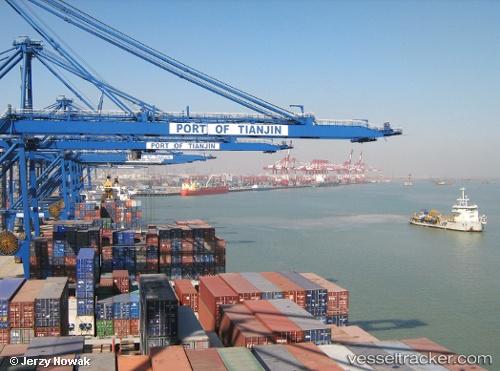 Port of Tianjin in China - vesseltracker com